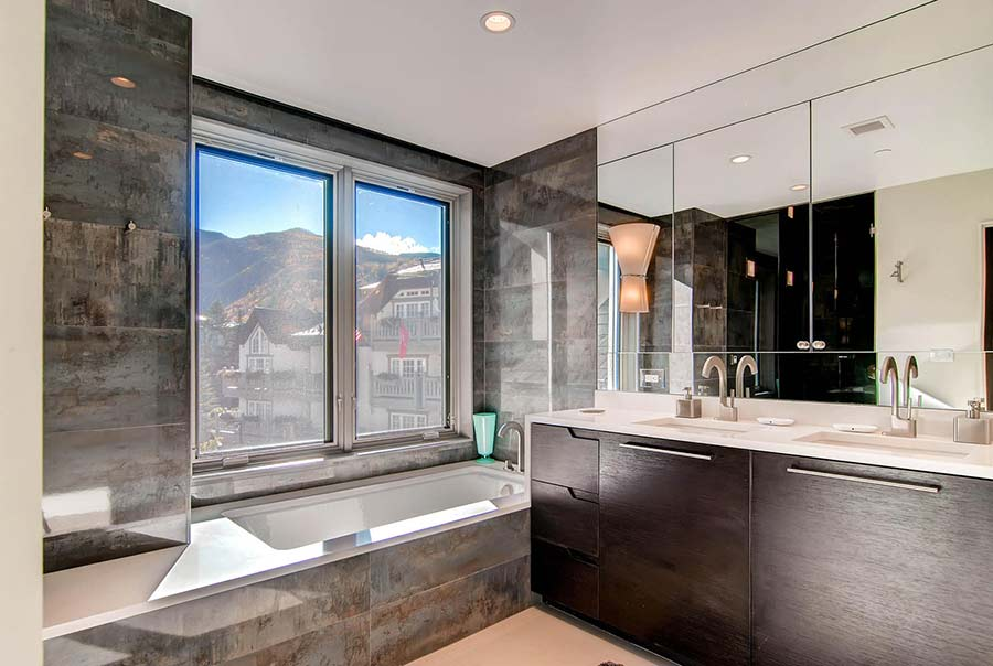 100-East-Meadow-Drive-Vail-CO-large-014-14-Master-Bathroom-1491x1000-72dpi