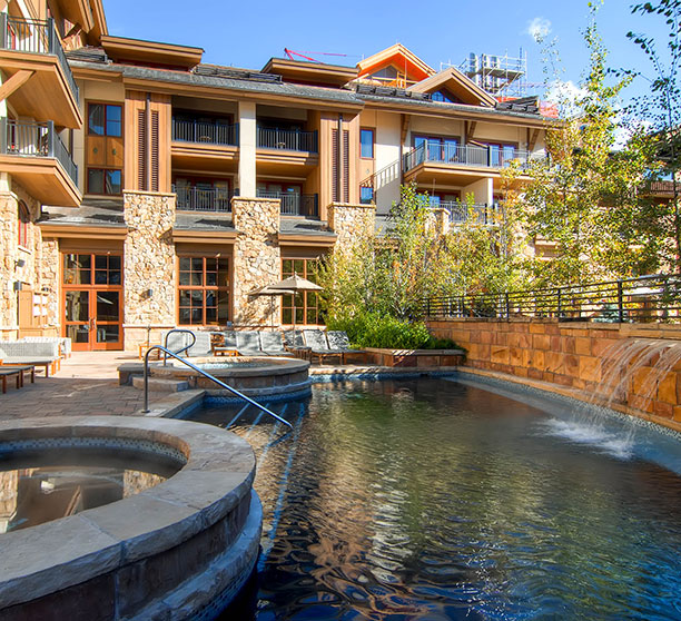 100-East-Meadow-Drive-Vail-CO-print-026-23-Exterior-Pool-2700x1808-300dpi