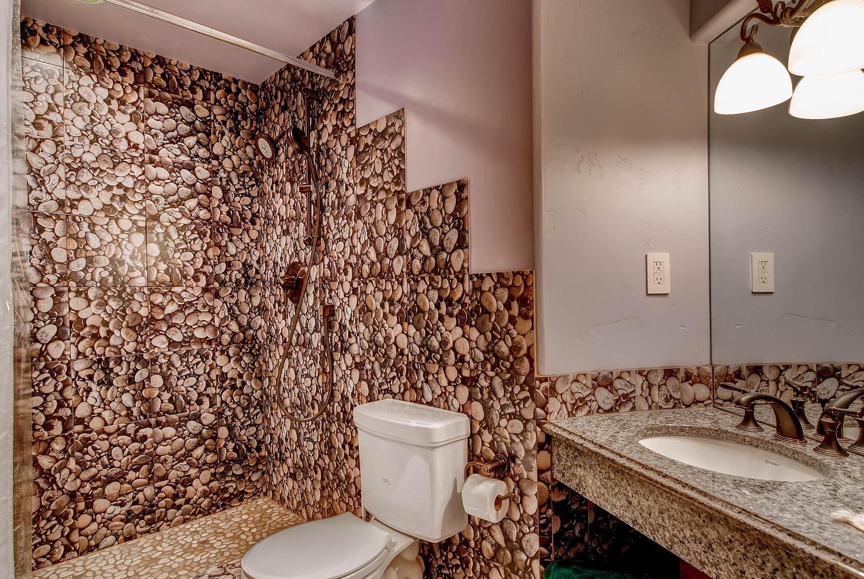 303 Holden Road Avon CO 81620-large-028-25-2nd Floor Bathroom-1494x1000-72dpi