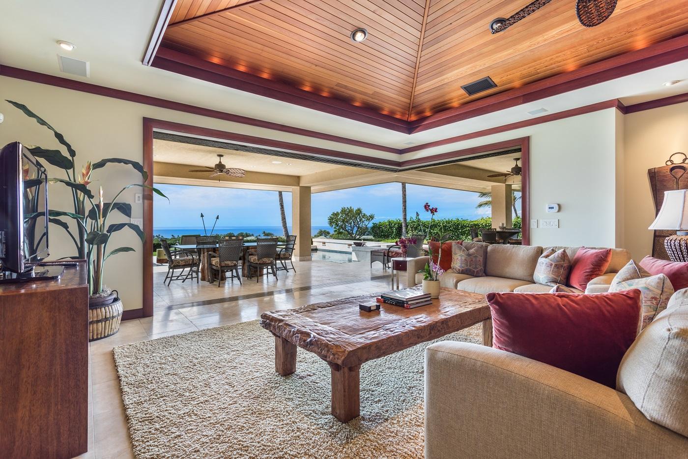 Mauna Kea Residences Wai'ula'ula 403 Living Room