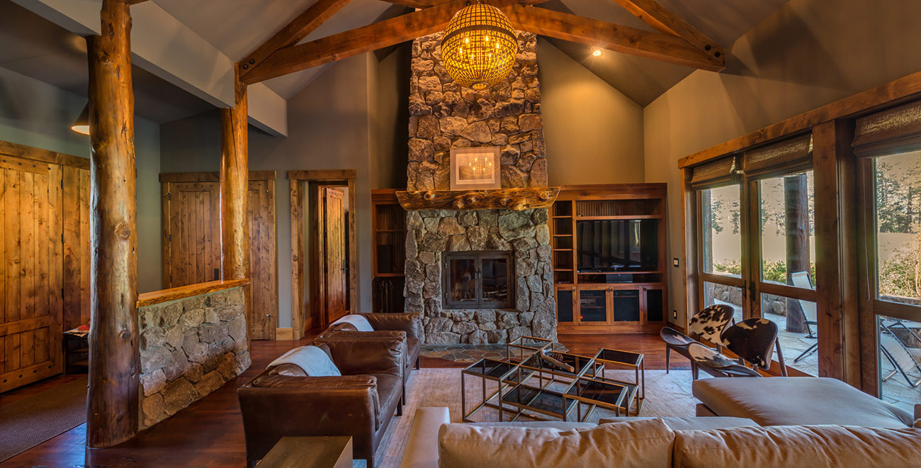 Tahoe Mountain Lodging 12717 Caleb Drive Living Room