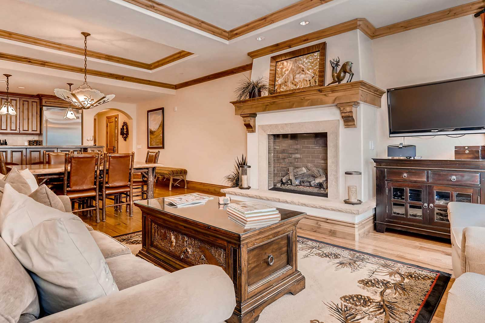 Vail Mountain Lodging Arrabelle Penthouse Living Room