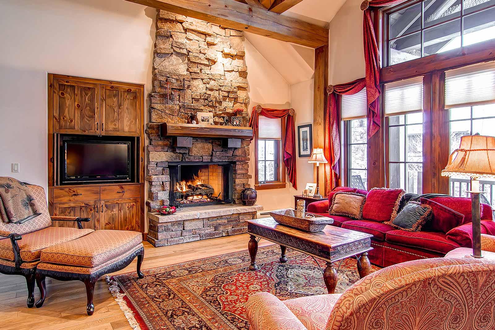 Beaver Creek Mountain Lodging Quartermoon Living Room