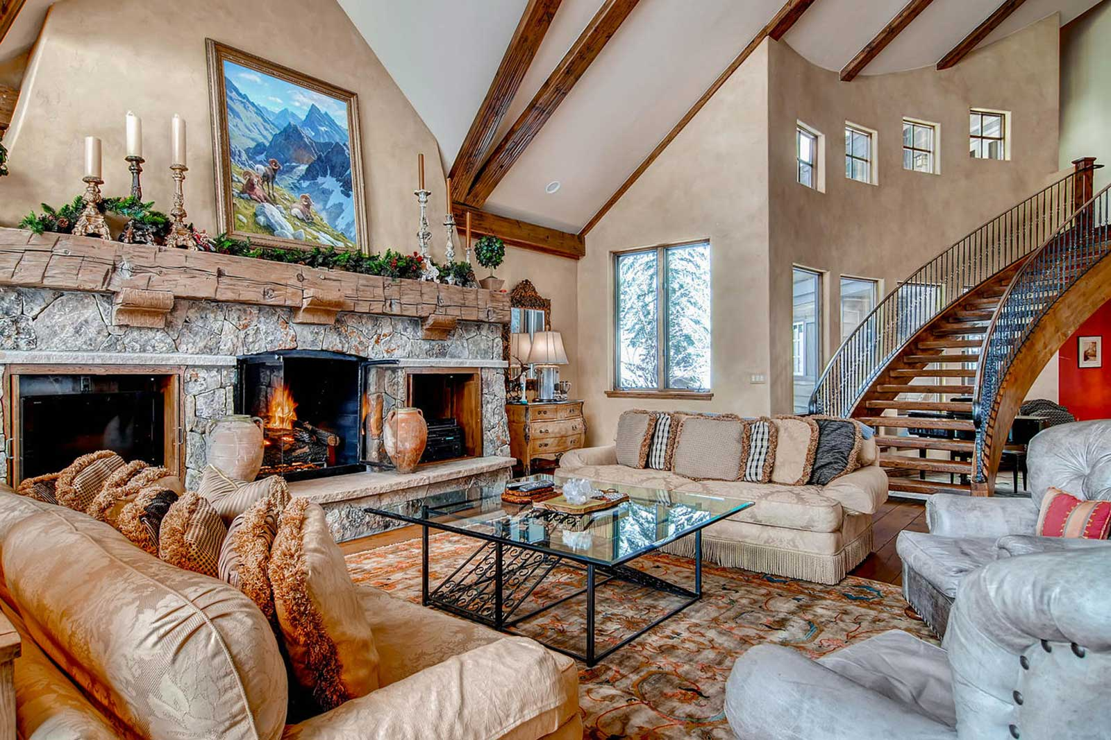 Beaver Creek Mountain Lodging Family Retreat Living ROom